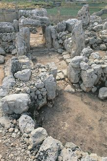 world heritage/high angle view old ruins temple ta hagrat mgarr