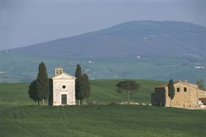 Italy, Tuscany, Orcia Valley Artistic, Nature and Cultural Park, surroundings of