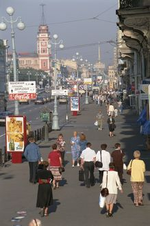 Russia, St Petersburg, the busy Nevskiy prospekt, with the Duma tower on the left