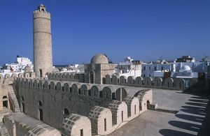 world heritage/building exterior/tunisia ancient sousse medina fortified religious