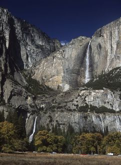 earth sciences/geography tranquil scene/usa california yosemite national park waterfall