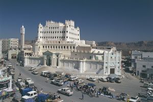 Yemen, Hadramawt province, Saywun, archaeological and ethnographical museum, elevated view